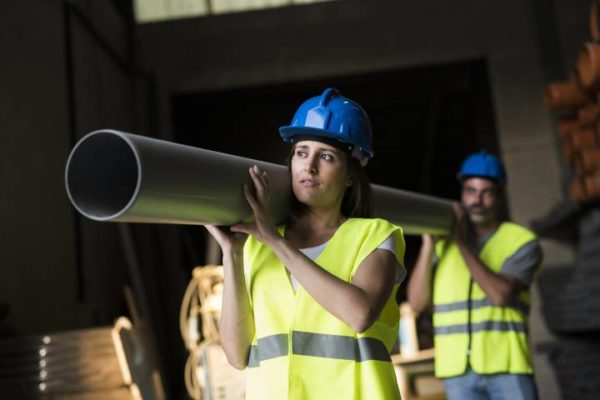 A nők termékenységének csökkenéséhez kapcsolódó, fizikailag igényes munkavégzés és műszakváltás